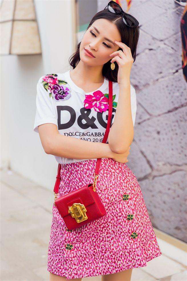 Đông Nhi, Minh Hằng chơi trội chi 28 triệu mua chiếc áo thun hoa hòe - 3