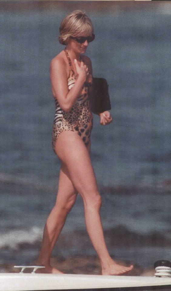 """Không ngờ công nương Diana từng mặc bikini """"chất chơi"""" đến vậy - 2"""