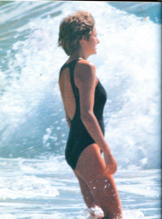 """Không ngờ công nương Diana từng mặc bikini """"chất chơi"""" đến vậy - 8"""
