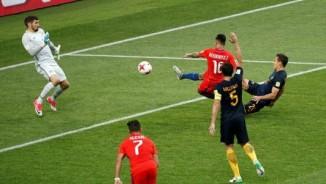 Chile - Australia: Ngỡ ngàng chiến đấu quyết liệt