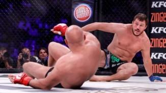 """MMA: Tái xuất, """"Sa hoàng cuối cùng"""" bị đánh lên bờ xuống ruộng"""