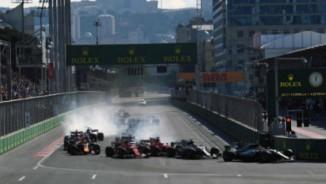 """Đua xe F1, Azerbaijan GP: Va chạm mở màn kịch bản """"điên rồ"""""""