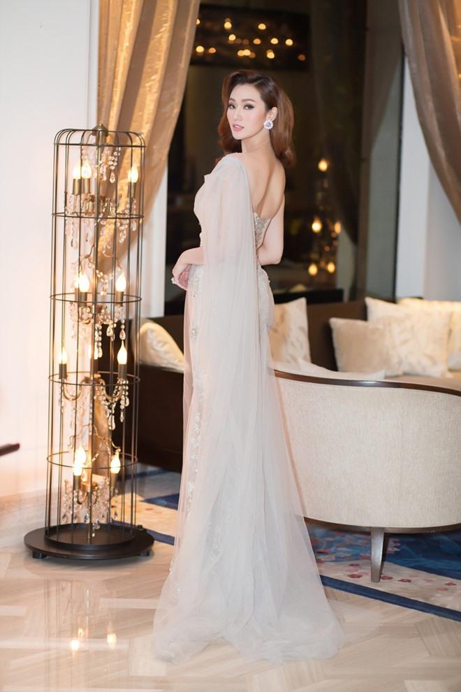 Khánh My xuyên thấu mong manh, đọ sắc với Hoa hậu Hoàn vũ - 6