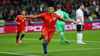 Chuyển nhượng sốc Ngoại hạng Anh: Aguero đổi chỗ Sanchez