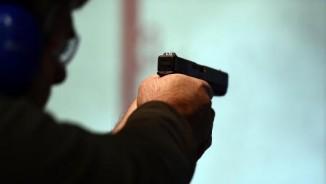 Mỹ: Cướp vào nhà đòi mở két sắt, chủ rút súng bắn chết