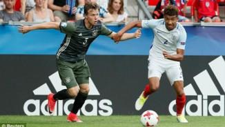 """U21 Anh - U21 Đức: 4 bàn & """"đấu súng"""" nghẹt thở (BK U21 châu Âu)"""