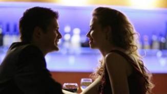 Xả xì chét: Vì sao hầu hết đàn ông trên thế giới đều thích hôn phụ nữ?
