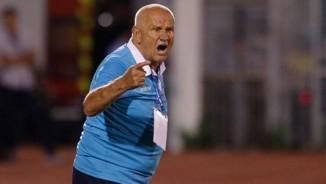 Không thắng đội Công Vinh, HLV vô địch C1 nổi cáu
