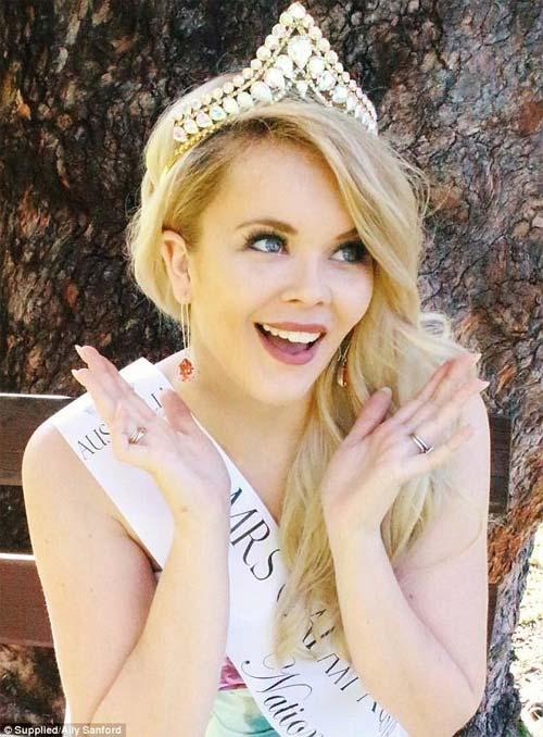 Quá khứ từng bị hãm hiếp đầy tủi nhục của Hoa hậu Quốc tế Úc - 3