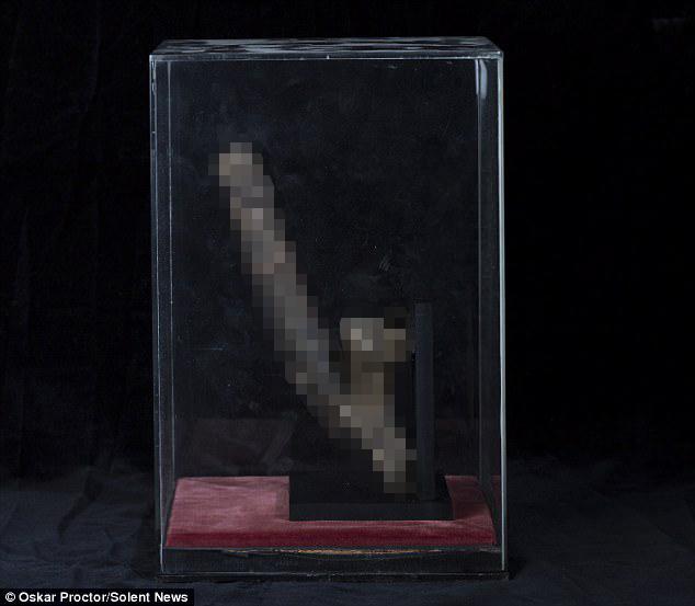 """""""Của quý"""" 300 tuổi của người bị treo cổ có giá 3 tỷ đồng - 1"""