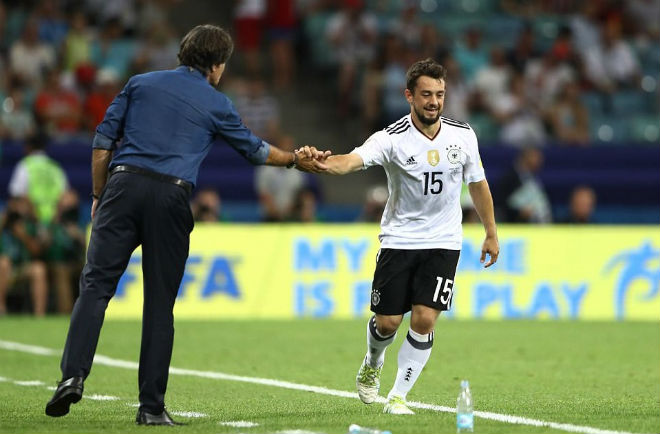 ĐT Đức thắng lớn, HLV Joachim Low quyết đi vào lịch sử - 1