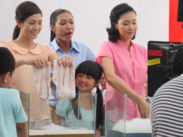 Sao nhí 100 triệu view, đắt show nhất Việt Nam phổng phao bất ngờ - 1