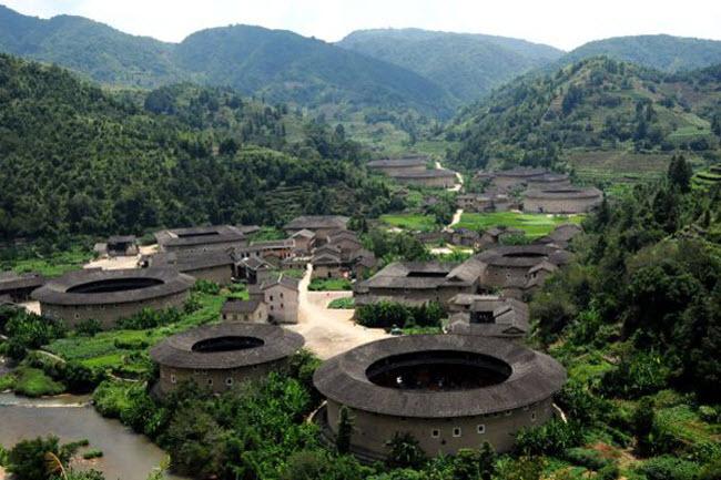 Ngôi làng nổi danh thế giới nhờ công trình kiến trúc có một không hai - 1
