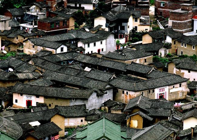 Ngôi làng nổi danh thế giới nhờ công trình kiến trúc có một không hai - 2