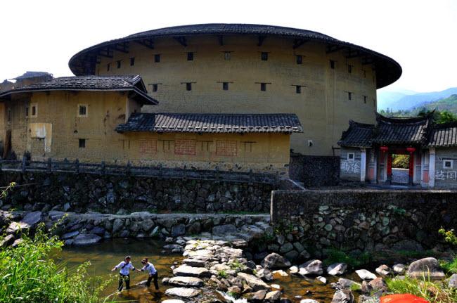 Ngôi làng nổi danh thế giới nhờ công trình kiến trúc có một không hai - 5