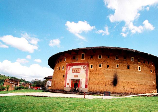 Ngôi làng nổi danh thế giới nhờ công trình kiến trúc có một không hai - 9