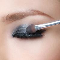 Video làm đẹp: Trang điểm Mắt khói đơn giản