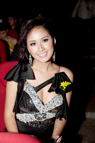 Sao Việt mặc 'sexy' không kém cạnh sao Tây - 6
