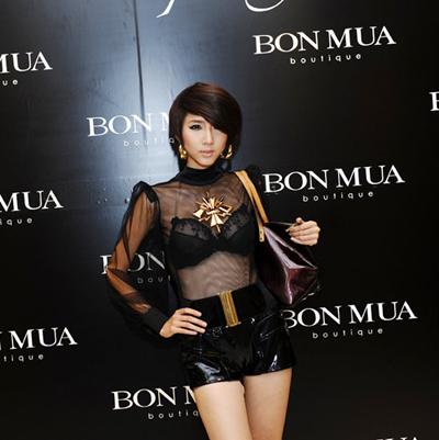 Sao Việt mặc 'sexy' không kém cạnh sao Tây - 3