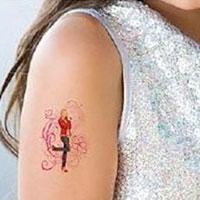 Giới trẻ mạo hiểm với hình xăm dán