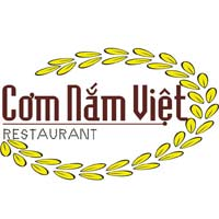 Thưởng thức món ăn dân dã tại nhà hàng Cơm Nắm Việt