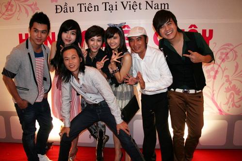 """Hoài Linh đóng phim ma 3D với """"hot girl"""" Elly Trần - 1"""