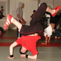 Video: Cậu bé nhảy hip hop điêu luyện