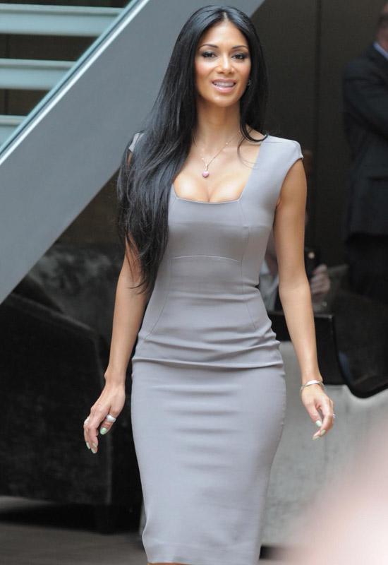 Những chiếc váy bó gợi cảm nhất tuần qua - 22