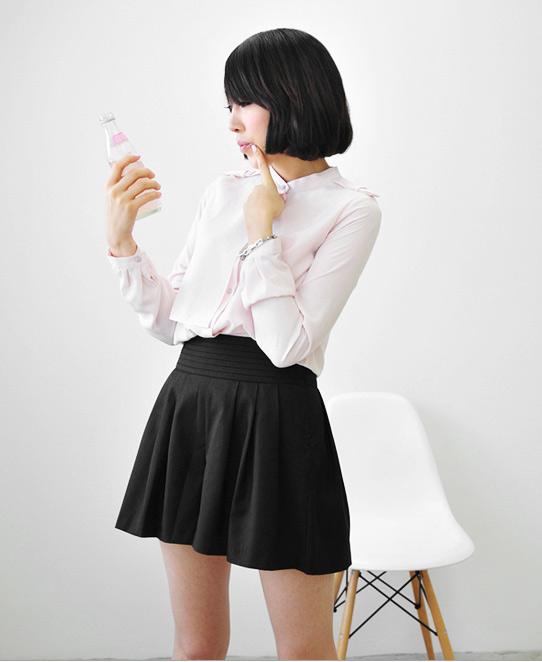 Thời trang công sở: Sooc váy kín mà sexy - 2