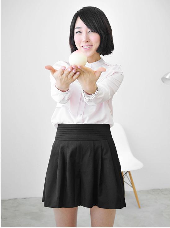 Thời trang công sở: Sooc váy kín mà sexy - 3