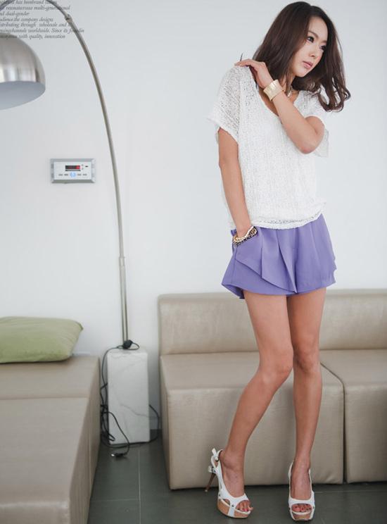 Thời trang công sở: Sooc váy kín mà sexy - 13