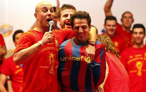 Bóng đá Anh: Fabregas - Miệng nói Arsenal, tim ở Barca? - 1
