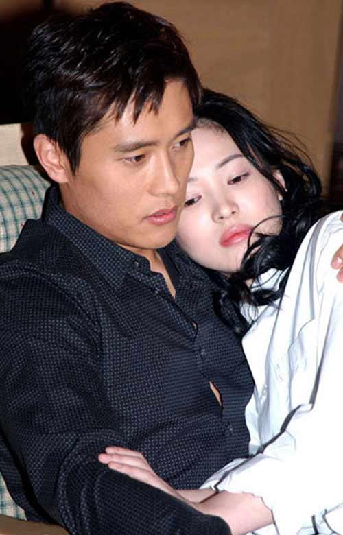 Song Hye Kyo – Nữ hoàng tài năng và tình ái - 2