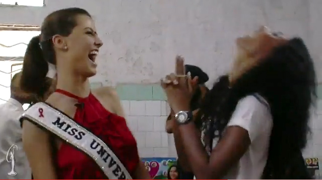 Video: HHHV Thế giới dạy đeo... bao cao su - 9