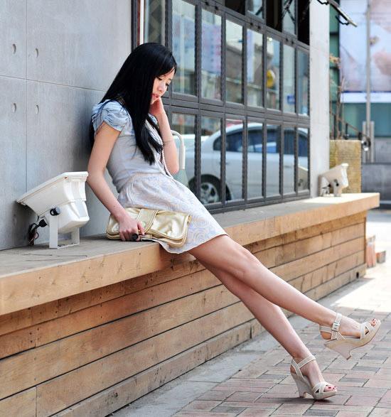 Thời trang công sở: Lịch lãm chân váy - 21