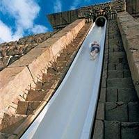 Những cầu trượt nước nổi tiếng thế giới