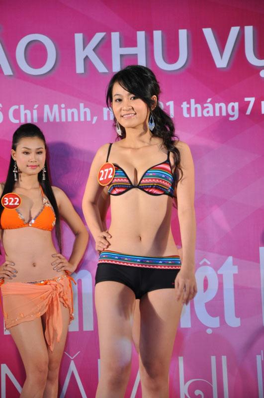 Thí sinh Hoa hậu VN 2010 gợi cảm trong đồ bơi - 11