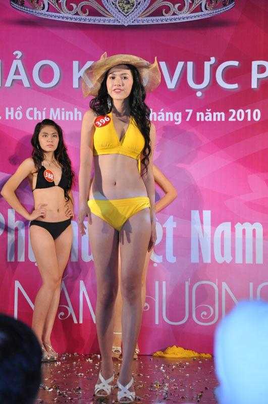 Thí sinh Hoa hậu VN 2010 gợi cảm trong đồ bơi - 16
