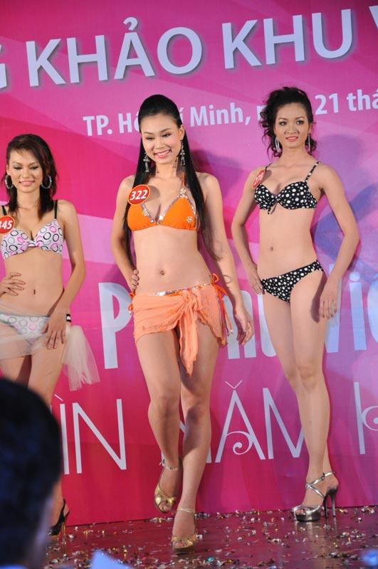 Thí sinh Hoa hậu VN 2010 gợi cảm trong đồ bơi - 13