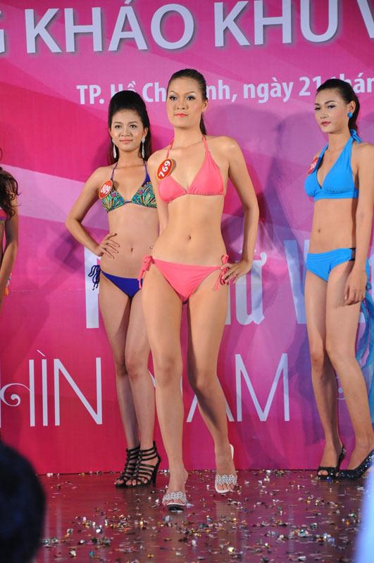 Thí sinh Hoa hậu VN 2010 gợi cảm trong đồ bơi - 15