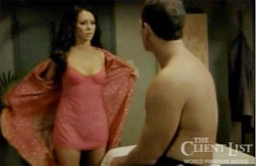 Jennifer Love Hewitt ngủ với 26 người trong… 2 ngày - 5