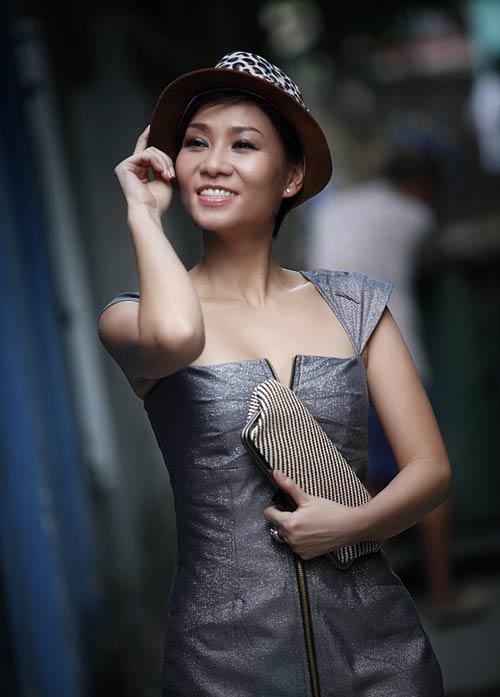 Thu Minh sexy giữa phố - 5