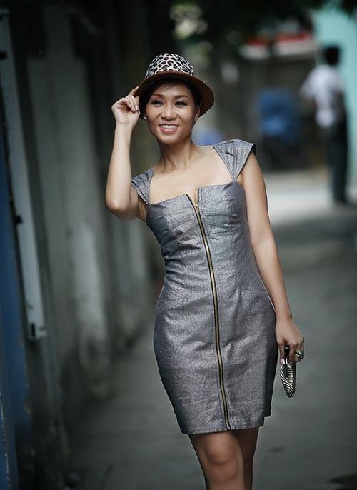 Thu Minh sexy giữa phố - 6