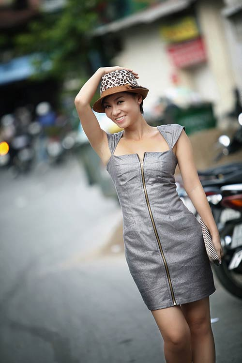 Thu Minh sexy giữa phố - 10