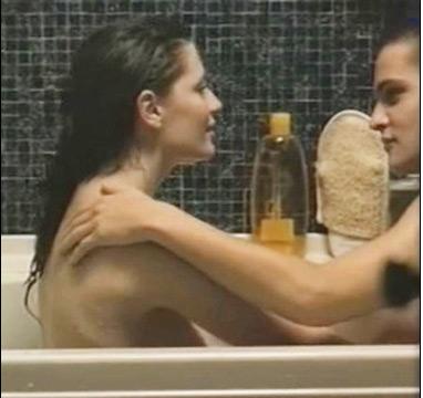 Hollywood và những pha tắm trần bỏng mắt - 8