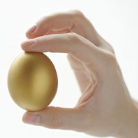 Video làm đẹp: 'Lột' mụn bằng trứng gà