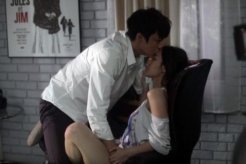 """""""Chung Hân Đồng diễn cảnh sex rất cừ"""" - 13"""