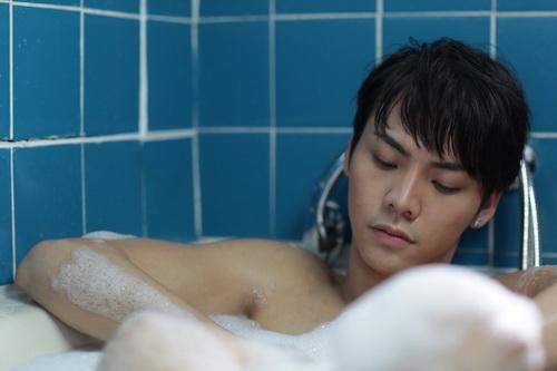 """""""Chung Hân Đồng diễn cảnh sex rất cừ"""" - 7"""