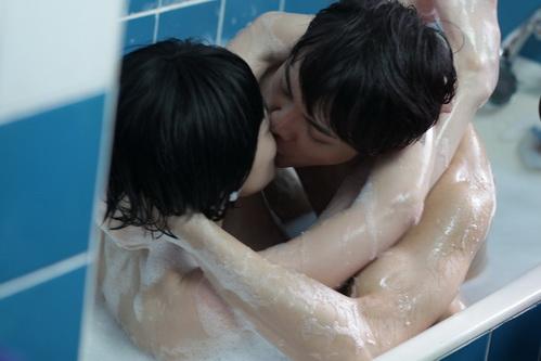 """""""Chung Hân Đồng diễn cảnh sex rất cừ"""" - 9"""