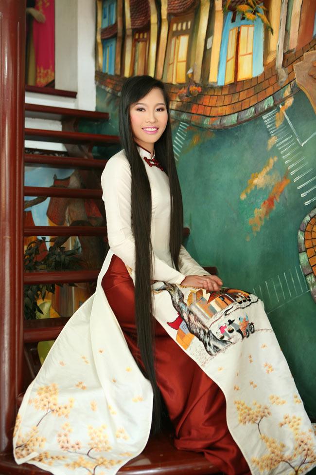 Ngắm nhan sắc có mái tóc dài kỷ lục tại cuộc thi HHTG người Việt - 5